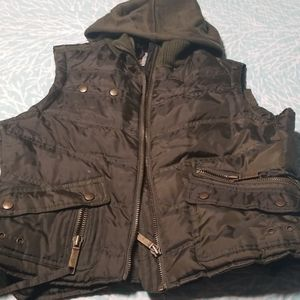Olive / Army Green lined winter vest, L- EUC